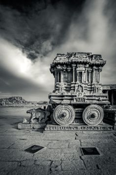 The Stone Chariot,  Vittala Temple campus Shrine, Hampi, Karnataka, India Copyright: Vijay Nanda