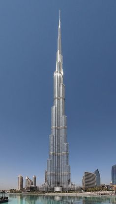 Burj Khalifa Facts - World's Tallest Building, So far Burj Khalifa is the World's tallest skyscraper. check 20 Facts of Burj Khalifa in Dubai. List Of Tallest Buildings, Famous Buildings, Dubai Buildings, Amazing Buildings, Modern Buildings, 432 Park Avenue, Futuristic Architecture, Architecture Design, Famous Architecture