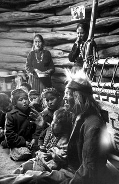 Native American Quotes, Native American History, Native American Indians, American Symbols, Navajo Culture, Navajo People, Navajo Nation, American Indian Art, American Women