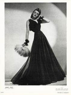 Robert Piguet 1939 Evening gown black lace, Photo Joffé