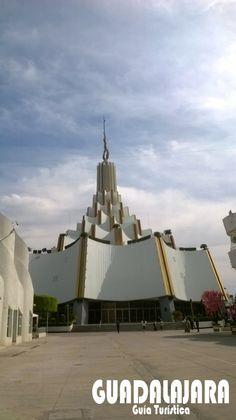 Iglesia de La Luz del Mundo con sede internacional en la ciudad de Guadalajara, México.