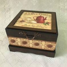 Caixa de MDF Decorada: 42 Ideias com Passo a Passo   Revista Artesanato Decoupage Box, Craft Bags, Painting On Wood, Casket, Stencils, Decorative Boxes, Scrap, Candles, Country