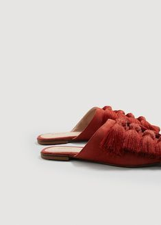 Fringed leather shoe