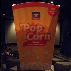 """Petit moment au cinéma devant un chouette film : """"Nous trois ou rien"""" de Kheiron (Bref). ☺️#kinepolis #lomme #kinemotion #movie #kheiron #bref #goodtime #popcorn"""