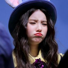 """✿ """"Either a white rabbit or a dove. Korean Girl, Asian Girl, Indie Singers, My Well Being, Gfriend Sowon, Kim Jung, Best Kpop, Olivia Hye, 1 Girl"""