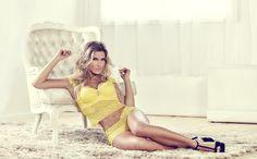 Uau! Andressa Suita mostra corpão em campanha de lingerie