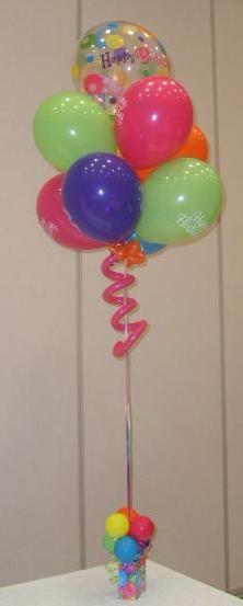 Table centre pieces ideas on pinterest 235 pins for Balloon arrangement ideas