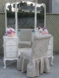 Shabby Chic Decor stylish and splendid detail - Most shabby styling examples. shabby chic inspiration fun and brilliant example reference shared on this day 20190210 , Shabby Chic Mode, Shabby Chic Vanity, Shabby Chic Cottage, Vintage Shabby Chic, Shabby Chic Style, Shabby Chic Furniture, Shabby Chic Decor, Vintage Decor, Vintage Furniture