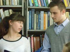 Biblioteka Publiczna w Sokółce gościła młodzież gimnazjalną z montażem słowno-muzycznym pt. Karuzela życia pod kierunkiem Bożeny Rudź.