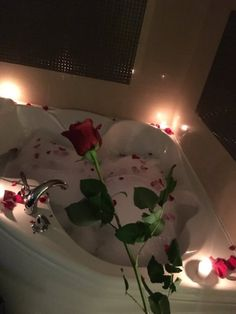 Shared by Aჳεթδαйðжαηка✓. Find images and videos about red, rose and romantic on We Heart It - the app to get lost in what you love. Romantic Room Surprise, Romantic Bath, Romantic Date Night Ideas, Romantic Room Decoration, Romantic Bedroom Decor, Birthday Room Decorations, Dream Dates, Cute Date Ideas, Relaxing Bath