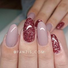 Premium glitter powder 'Victoria' and colorgel 'Mask' from RM Beautynails