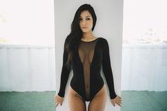 Van Styles immortalise Misa Campo dans un shooting minimaliste et sexy - http://www.leshommesmodernes.com/van-styles-misa-campo/