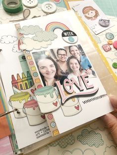 Página do meu PL feita com papéis Goodies. Project Life Scrapbook. Scrapbook, Project Life, Dan, Goodies, Girls Girls Girls, Sweet Like Candy, Treats, Gummi Candy, Scrapbooks