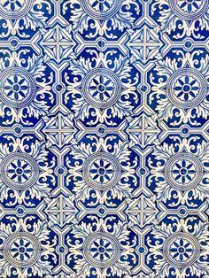 travelingcolors: Portuguese azulejo (by Nacho Coca) Follow me...