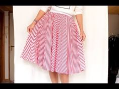 Sewing Tutorial: THE SKIRT CIRCLE (all sizes and lengths and no pattern) ✨ Marion Blush Source by tutotube Diy Shorts, Straight Skirt, Diy Mask, Sewing Tutorials, Crochet Projects, Midi Skirt, Two Piece Skirt Set, Plaid, Blouse