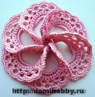 вязаный цветок ( 5 Foreign Site, but good pictures. Crochet Diy, Crochet Motifs, Crochet Squares, Love Crochet, Irish Crochet, Crochet Crafts, Yarn Crafts, Crochet Stitches, Crochet Hooks