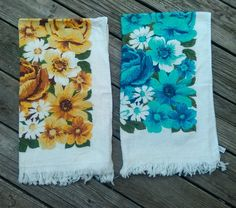 Pair of 2 Vintage Cannon Floral Bath Towels Flowers Blue Brown Yellow Bathroom
