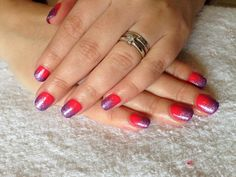 CND Shellac Nail Art - Tropix with glitter fade made of Mother of Pearl and Gosh Topaz Lavender nail glitter.