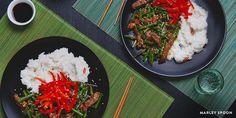 Rijst, biefstuk en pepers - precies wat je lichaam nodig heeft na een zware training.