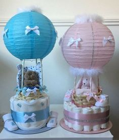 Hot Air Balloon Nappy Cakes – – You are in the right place about bohemian decoration party Here we offer you the most beautiful pictures about the decoration party paper you are looking for. When you examine the Hot Air Balloon Nappy Cakes – – part of … Deco Baby Shower, Baby Shower Crafts, Baby Shower Gift Basket, Baby Shower Diapers, Baby Shower Balloons, Baby Crafts, Baby Boy Shower, Baby Shower Nappy Cake, Baby Shower Gifts For Boys