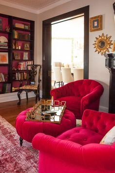 Steele's Design Studio and Boutique Luxury, modern and contemporary living room. Best top famous luxurious exclusive high-end Interior Designers | For more decor inspirations and decor ideas visit www.bessadesign.com . . . #exclusivedesign #homedecor #luxurydecor #homedesign #luxuryinteriors #luxuryhomes #contemporarydesign #contemporaryfurniture #interiorstyling #interiorproject #bessadesign #decorationideas #interiordecorating #designhome #decorlovers #interiorinspo #interiorstyling…