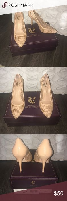 Vince Camuto 👠 Carissah Vince Camuto pump. In good condition with some minor scratches on the heel as shown in the pictures. Nice for a casual date or work Vince Camuto Shoes Heels