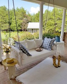 ✓ 55 Beautiful Farmhouse Front Porch Decorating Ideas - Page 49 of 55 - Best Home Decor Modern Farmhouse Porch, Farmhouse Front Porches, Farmhouse Style Kitchen, Modern Farmhouse Kitchens, Farmhouse Style Decorating, Porch Decorating, Farmhouse Decor, Decorating Ideas, Southern Front Porches
