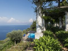 Majestic villa with colonnade & pool on the Amalfi coast Via Lo Funno Anacapri, Naples 80071 Italy Pent House, Amalfi Coast, Luxury Real Estate, Interior Architecture, Outdoor Gardens, Luxury Homes, Villa, Country Roads, Italy