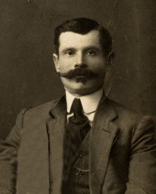Seth Bullock, Deadwood Sheriff - best mustache ever. Deadwood South Dakota, Wild West Outlaws, Famous Outlaws, Old West Photos, Into The West, Le Far West, Mountain Man, Early American, Old Pictures