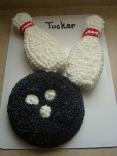 Bowling Cake, maybe use cupcakes underneath??