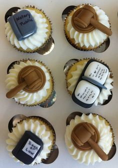 Law school cupcakes! @Rachel Ferringer @Emily Droesch @Jane Fox @Janet Checkley @Jaclyn Faulds (etc., law peeps!)  ... When we graduate... or just want to treat ourselves... can we make these cute little law-themed cupcakes?