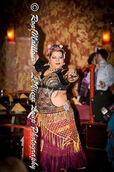 The beautiful Clara Ortiz (Houston, TX). Photo by Le Vieux Loup Photography. (plus size belly dance ♥)