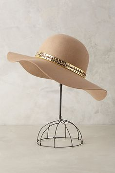 Might need to finally dive into the big hat trend with this one.