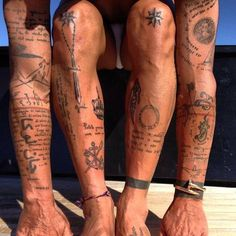 The tattoos of Gianluca Vacchi. I like how the text swirls around another tattoo The tattoos of Gianluca Vacchi. I like how the text swirls around another tattoo Thigh Tattoo Men, Cool Forearm Tattoos, Hand Tattoos For Guys, Small Tattoos For Guys, Cool Small Tattoos, Body Art Tattoos, Tattoo Arm, Small Chest Tattoos, Surf Tattoo