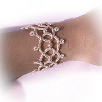 Decoromana: Ivory tatted lacy bracelet with Swarovski pearls