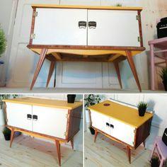 Needle legs nordic industrial table by Revolta  #Handmade #Vintage #Retro
