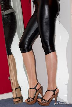 shiny-leggings-4 Shiny Leggings, Sexy Feet, Hd Video, Hosiery, Leather Pants, Tights, Stockings, Videos, Pictures
