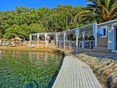 Beautiful Beach Bar on the island of Kea, Greece Destinations, Beach Bars, Great Restaurants, Mediterranean Sea, Greek Islands, Greece Travel, Beautiful Beaches, Athens, Travel Inspiration
