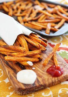 Crispy Baked Sweet Potato Fries. Use arrowroot/tapioca starch in place of cornstarch - the secret for crispy fries. #food #paleo #glutenfree
