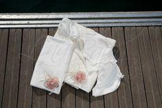 Λαδόπανα βαμβακερά, χειροποίητα και είναι της Lina Baby! Ανακαλύψτε τη νέα συλλογή στο www.angelscouture.gr