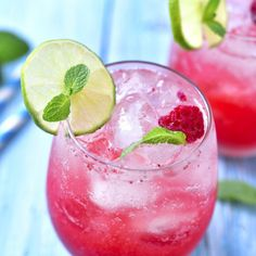 Watermelon chunks and lime juice are blended together for the perfect summer drink! Add Moscato wine for a boozy twist! Strawberry Mojito, Raspberry Sorbet, Refreshing Drinks, Summer Drinks, Pool Drinks, Caipirinha Cocktail, Lemonade Cocktail, Recipes, Sweets