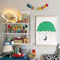 Lovely rainbow pops of colour in a kids room with shelving. Children's bookshelves Childrens Beds, Childrens Room Decor, Kids Decor, Les Enfants Sages, Rainbow Bedroom, Ideas Habitaciones, Little Girl Rooms, Boy Room, Room Kids