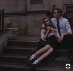 Taralynn + Landon Private school aesthetic of a boy and a girl sitting together. Couple Aesthetic, Aesthetic Pictures, Aesthetic Dark, Boarding School Aesthetic, Rafael Miller, Slytherin Aesthetic, Old Money, The Secret History, Private School