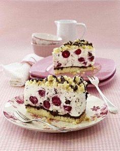Kirsch-Stracciatella-Torte