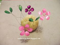 How to make...: Spring wire necklace with nail polish