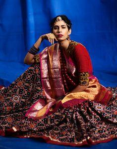 Beautiful patan patola Indian Bridal Lehenga, Indian Sarees, Indian Look, Indian Wear, Traditional Sarees, Traditional Dresses, Indian Dresses, Indian Outfits, Phulkari Saree