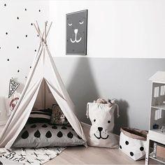 Nydelig barnerom hos @tellkiddo Vi har både tøyposen og den lille papirposen på lager! Perfekt oppbevaring til både store og små www.woroom.no