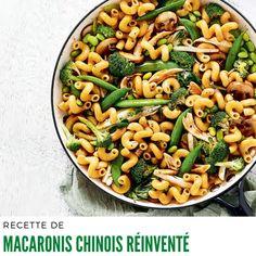 Dans une grande casserole d'eau bouillante salée, cuire les cavatappi 6 minutes ou jusqu'à ce qu'ils soient al dente. #recetteeconomique #macaronischinois Pasta Salad, Yummy Food, Yummy Recipes, Macaronis, Ethnic Recipes, Foodies, Risotto, Spaghetti, Drinks