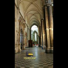 Pronti per San Gennaro! Ready for Saint Gennaro's day! #dinneround #church #saint #sangennaro #instamoment #picoftheday #instagood #like4like #napoli #excursion #neapel #instamoment #viaje #trip #tripadvisor