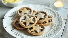 Almondy mince pies: cinnamon and ground almonds give the pastry extra flavour and a beautiful texture Xmas Food, Christmas Cooking, Christmas Recipes, Pie Recipes, Baking Recipes, Homemade Mince Pies, Christmas Biscuits, Christmas Pies, Christmas Foods